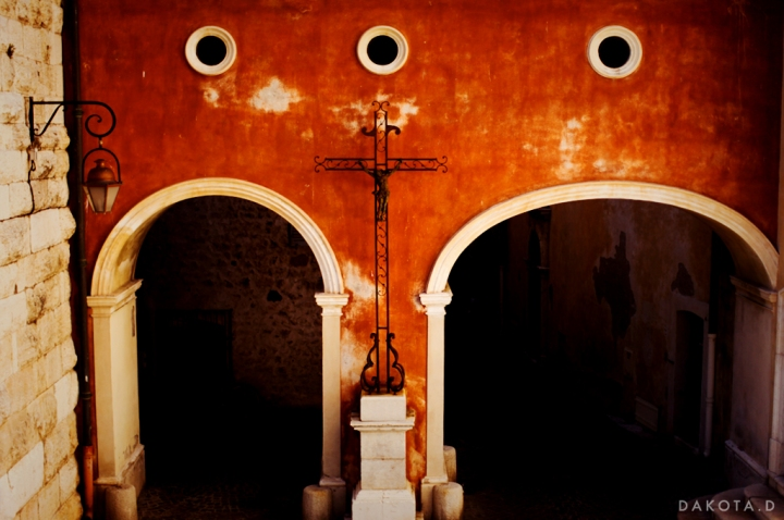 orange_mediterranean_architecture